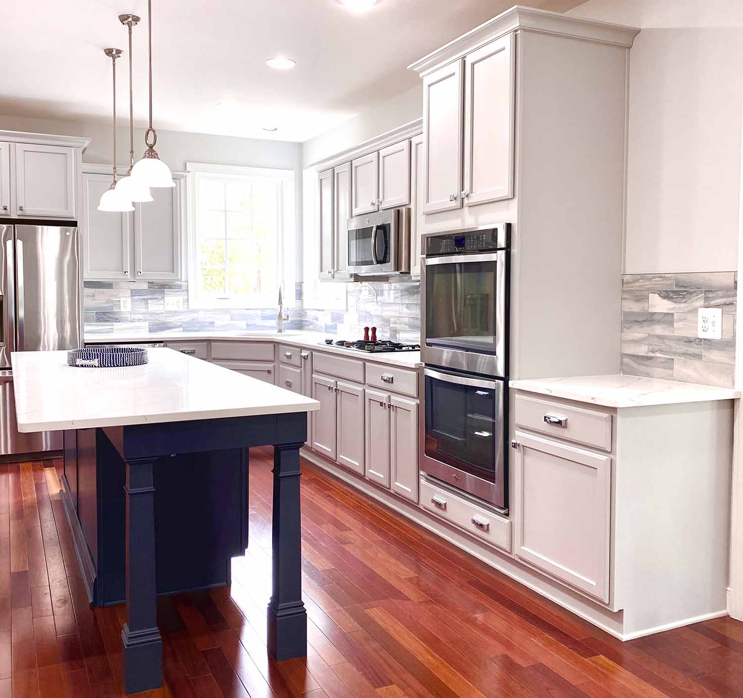 Kitchen Remodel with extended Kitchen Island